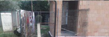 Pripravujeme druhú časť plotu.